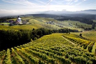 Niedzielny poranek na Pohorju. Styria, Podravje.