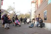 Uliczni muzycy nad rzeką Ljubljanicą w centrum Lublany