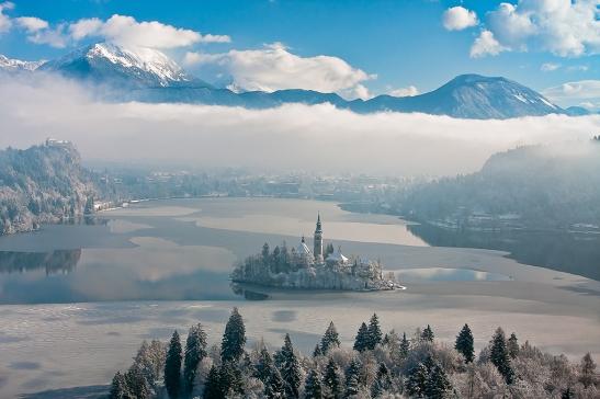 Bled (źródło: www.slovenia.info; autor: Franci Ferjan)